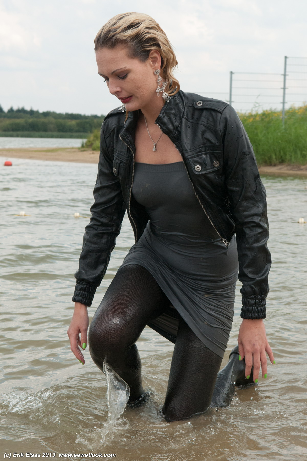Pissing and wetlook - 3 1