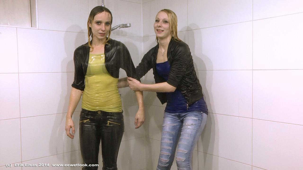 ee wetlook unedited 01 mai 2015 video bilderserie 2 m dchen duschen zusammen in jeans und. Black Bedroom Furniture Sets. Home Design Ideas